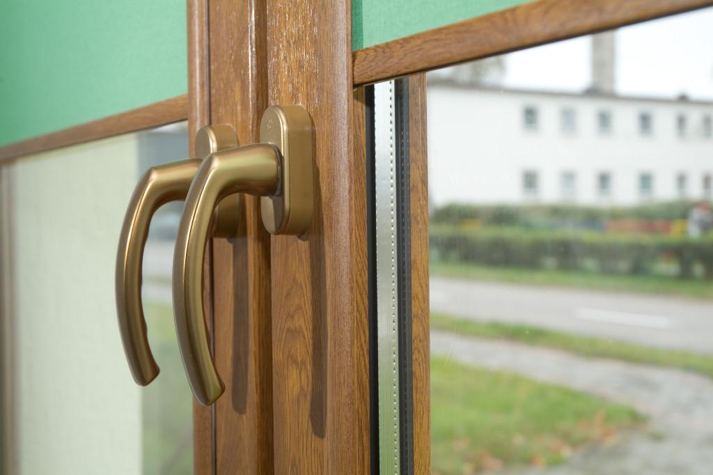 Czy zastosowanie rolet zwiększa energooszczędność okna?