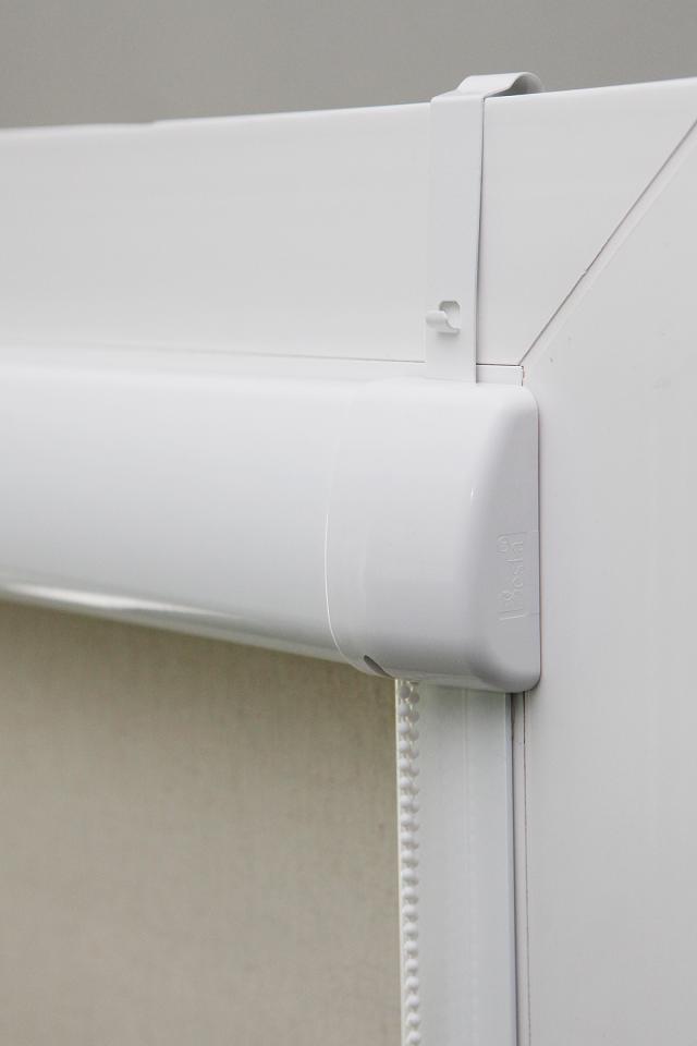 Jaki typ rolety zainstalować na oknach uchylnych?